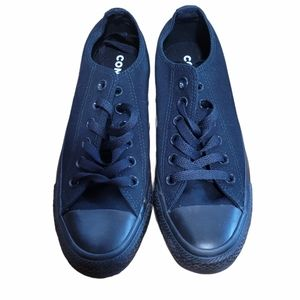 Never Worn Converse Allstar Black Sneakers Sz 6.5